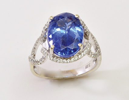designs-by-knight-park-city-jeweler-blue-diamond-ring